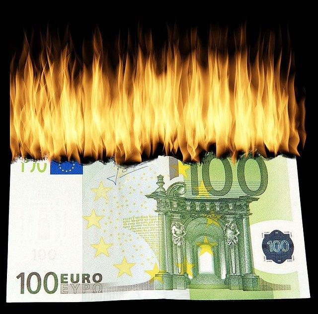 zničit peníze