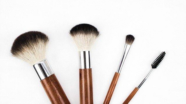 štětce na kosmetiku
