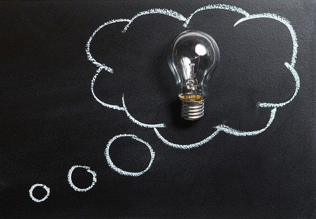 žárovka v myšlence.jpg