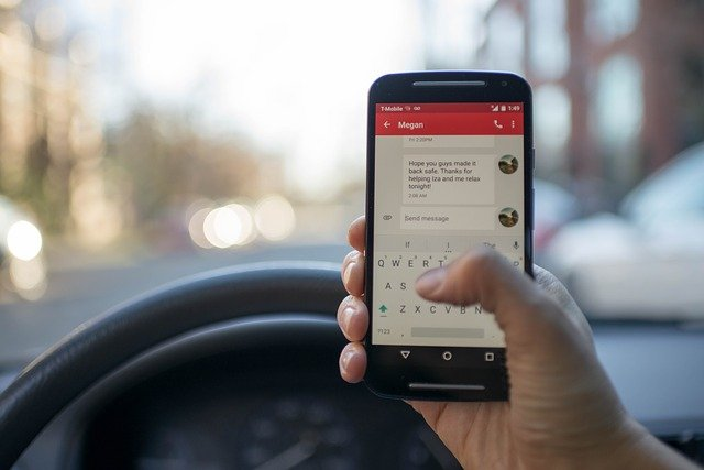 textování za volantem