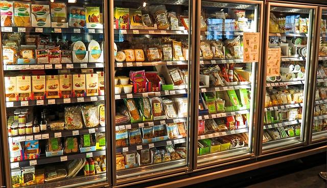 lednička s produkty.jpg