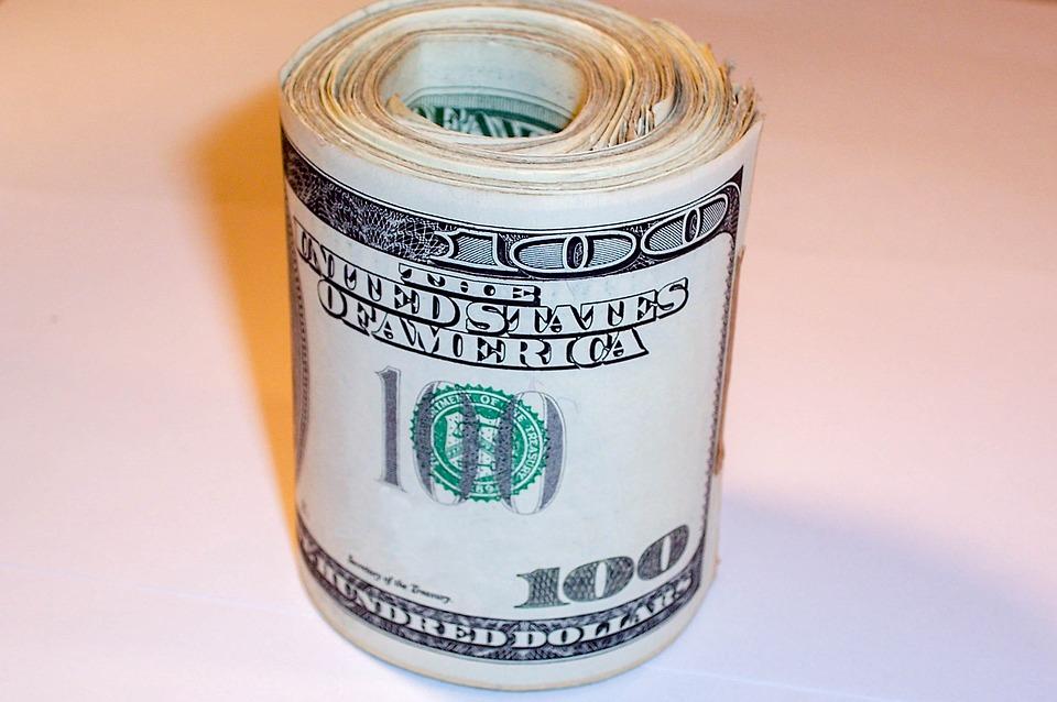 rolička dolarů